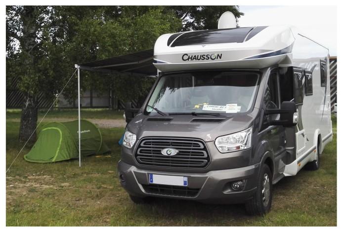 Presentation de mon camping car un chausson 718XL sur porteur ford